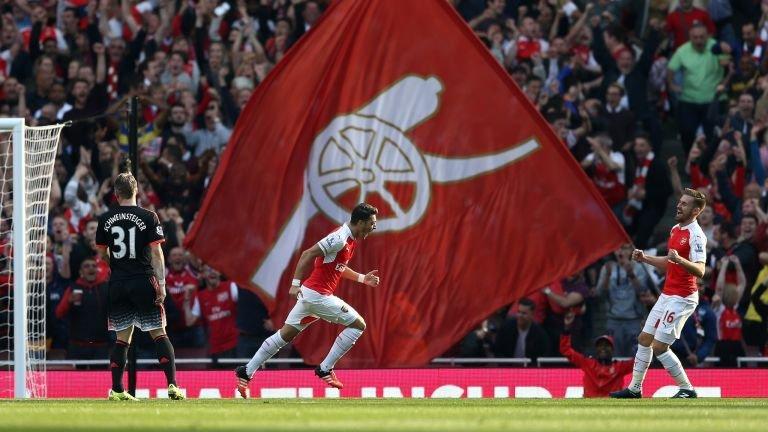 mesut-ozil-arsenal-manchester-united-goal_3359541