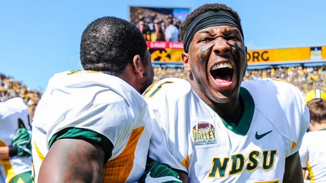 ncaa-football-north-dakota-state-at-iowa-5-vadapt-664-high-26
